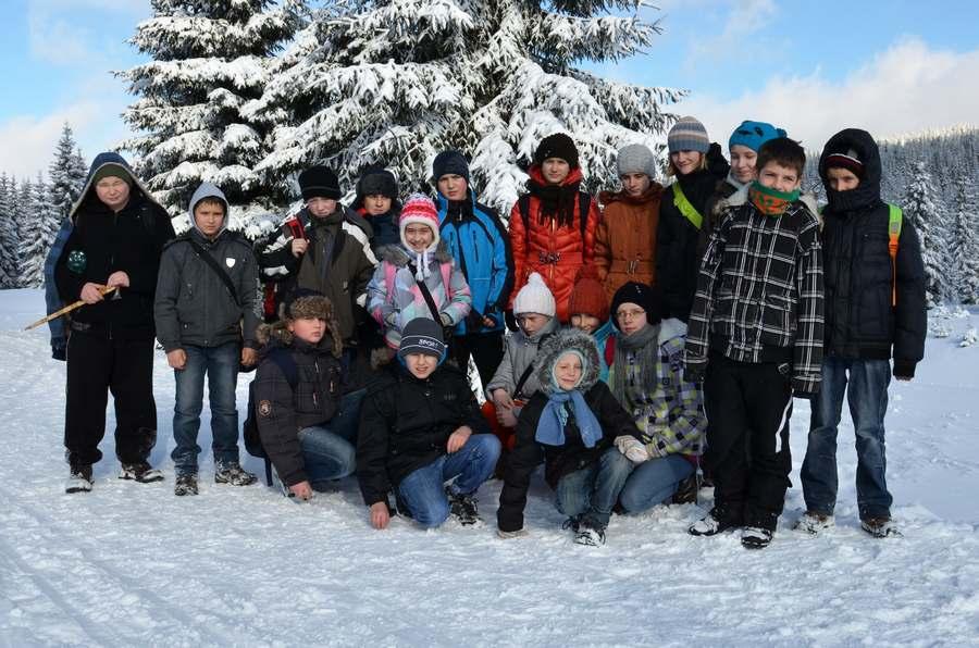 Uczniowie szkół w Krzelowie i Orzeszkowie - Orle 2013