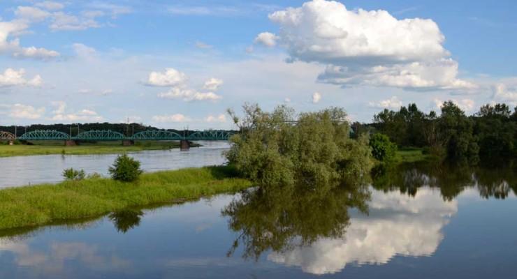 Opada poziom wody w Odrze
