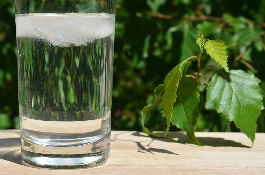W upalne dni pij dużo wody