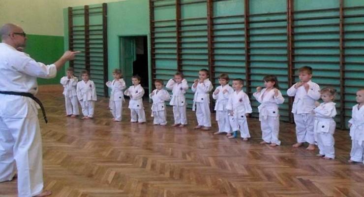 Zaproszenie na pokaz karate