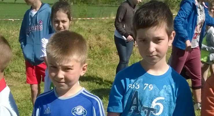 Uczniowie z Orzeszkowa w Głębowicach